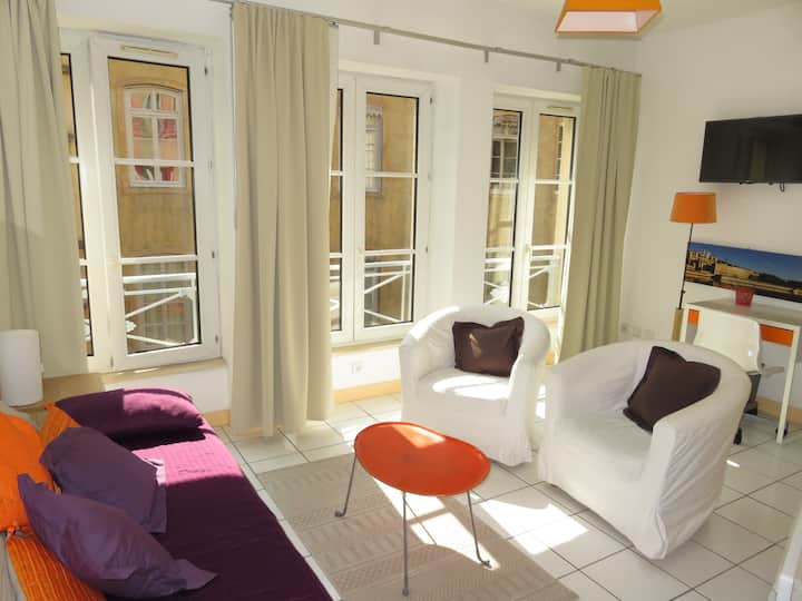 Sunny and cosy studio in heart of historic Lyon