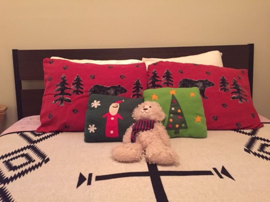 Flannel sheets and holidays bears!