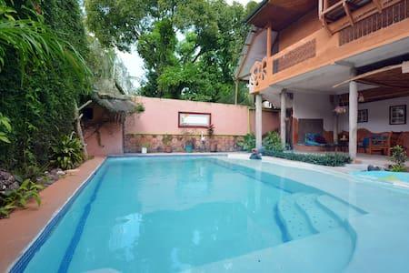 Habitacion sencilla Doble Masaya - Managua - Alberg