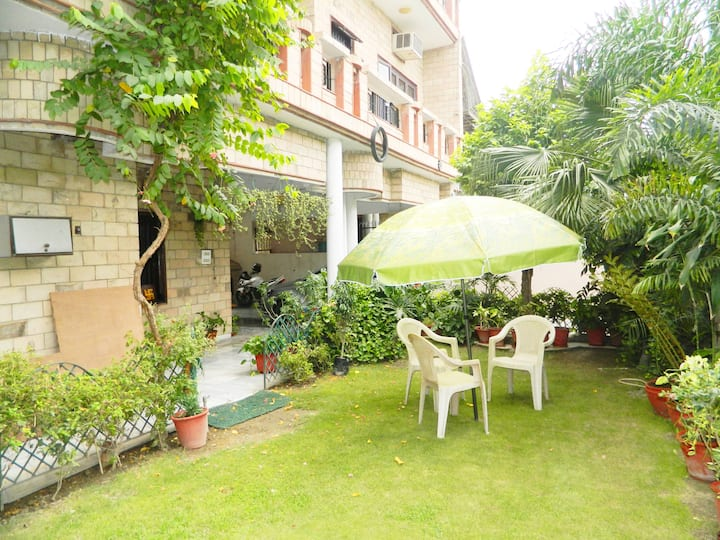 Perfect for Families - Entire 3BHK w WiFi/Bath
