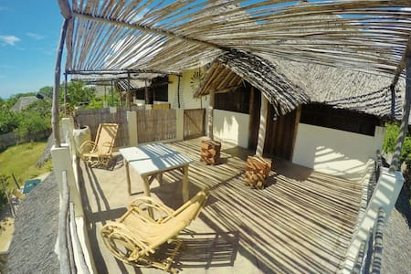 Vista Room a few steps away from the beach - Pemba - Bungalow