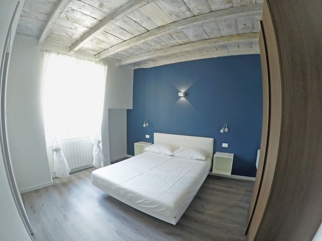 B&B Iseo Lake - Camera Blue - Castro - Bed & Breakfast