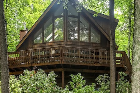 Serene 3BR + Loft Lake Ariel Home - Lake Ariel - Haus
