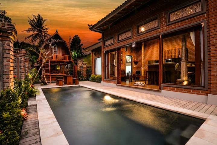 2 Bedrooms Villa with pool in tranquility, Tabanan
