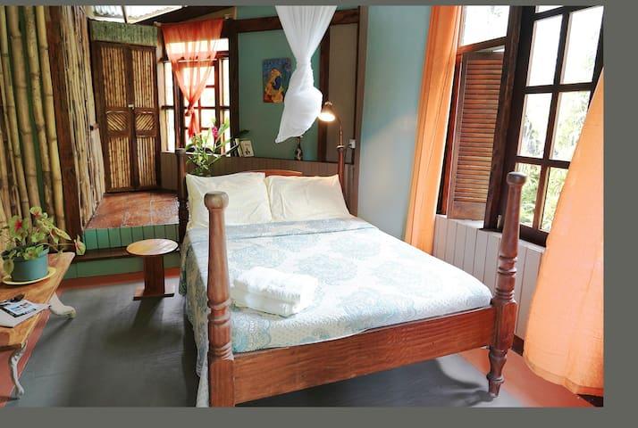 Cocoa Cottage-  Kako room