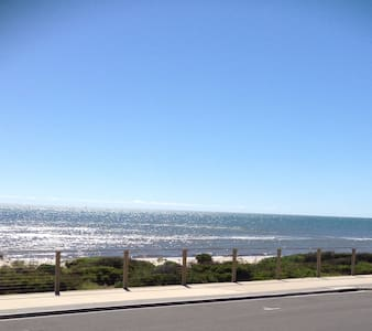 Beachfront Esplanade Henley South - Henley Beach South