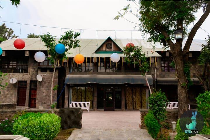 PEPFARM 1010- Farmhouse for house parties