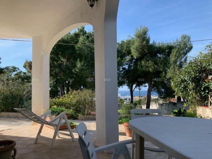 Villetta con giardino e vista mare  in Puglia
