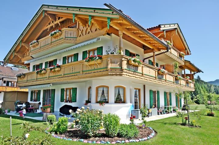 FeWo Vroni - Gästehaus Christina - Wallgau