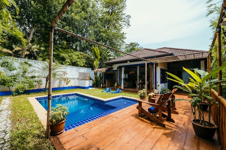 *NEW* Blue Door Villa with Private Pool 2BDR