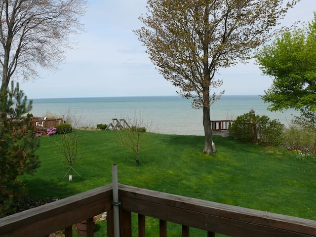 Beautiful Cottage on Lake Erie - North East - Cabane