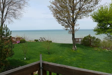 Beautiful Cottage on Lake Erie - North East - Zomerhuis/Cottage
