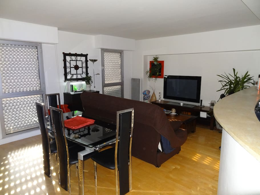 Luxe 60m m tro 10 all inclusive with breakfast flats - Mobilier jardin amazon boulogne billancourt ...