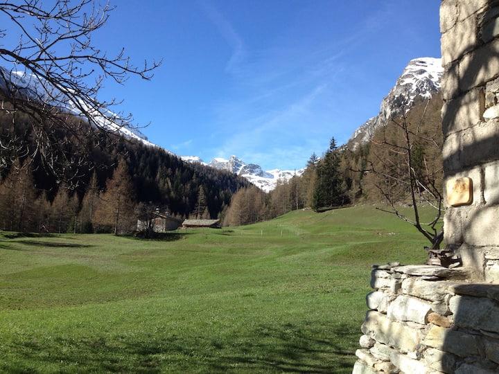 Gite 10p - Former mountain refuge in Savoie -1670m