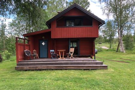 Mysigt Härbre i Dalarna, Hjortnäs nära Leksand