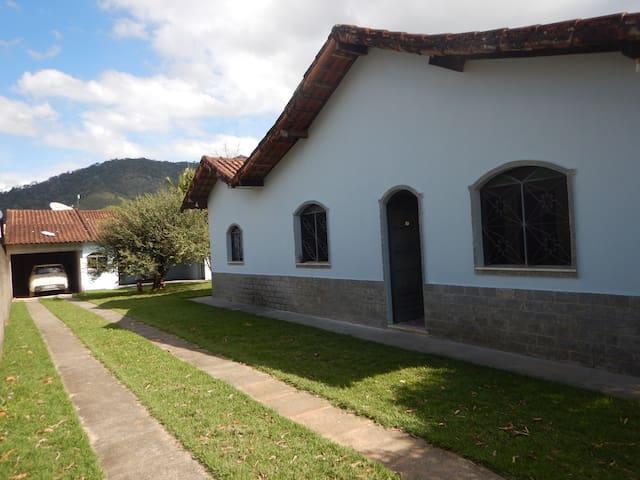 Casa Azul - Aldeia Velha, RJ - Silva Jardim - Chatka