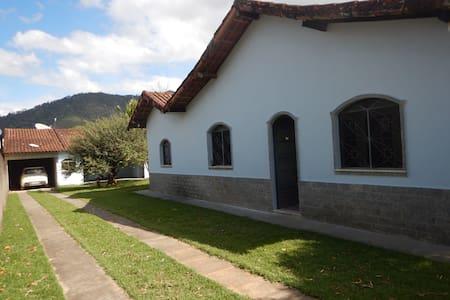 Casa Azul - Aldeia Velha, RJ - Silva Jardim - Stuga