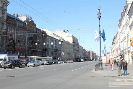 Уютная квартира на Невском - Sankt-Peterburg