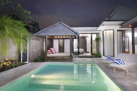 Villa Hibiscus SANUR 250 meters from beach