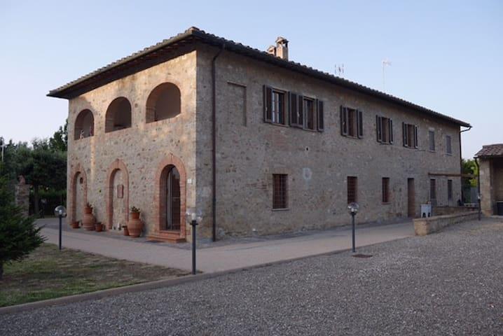 Affittacamere a Staggia Senese - Staggia - Apartament