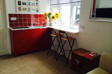 Cosy annex near sea with parking - Lyme Regis - Wohnung