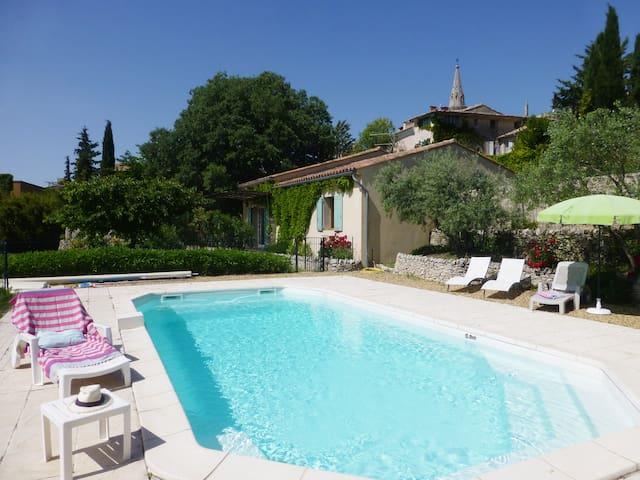 """Jolie maison """"Les Restanques""""  piscine privée"""