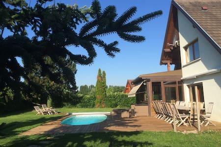 VILLA DES COLLINES -160 M2 - Villa