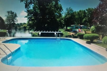 Lovely lake home in Coloma