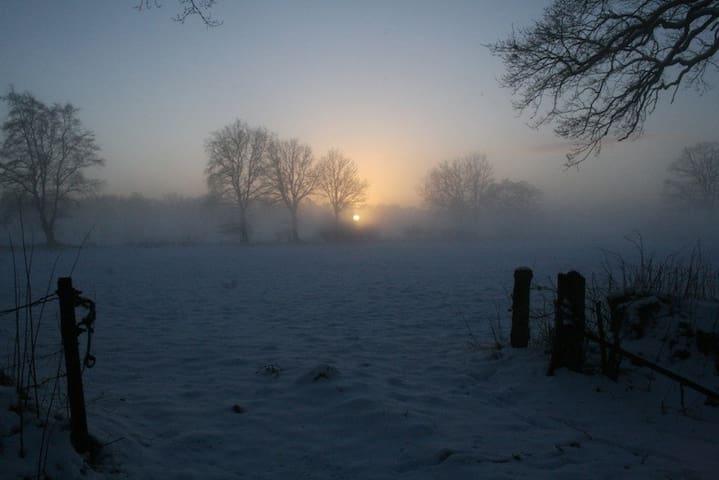 Die Sonne geht früh unter ...