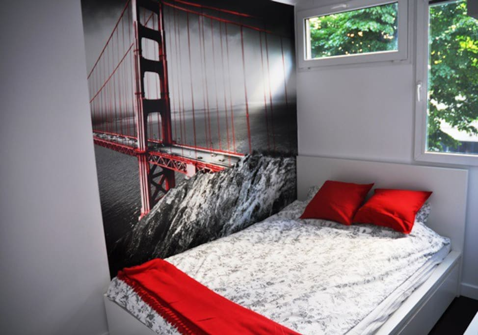 comfortable 140x200 cm double bed