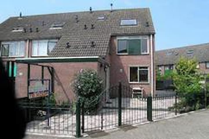 Zolderkamers te huur Loft room for rent