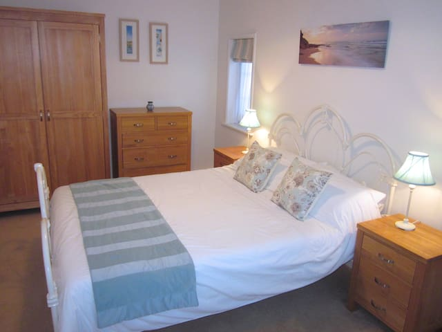 Golden Cottage - town centre luxury - Sidmouth - Rumah