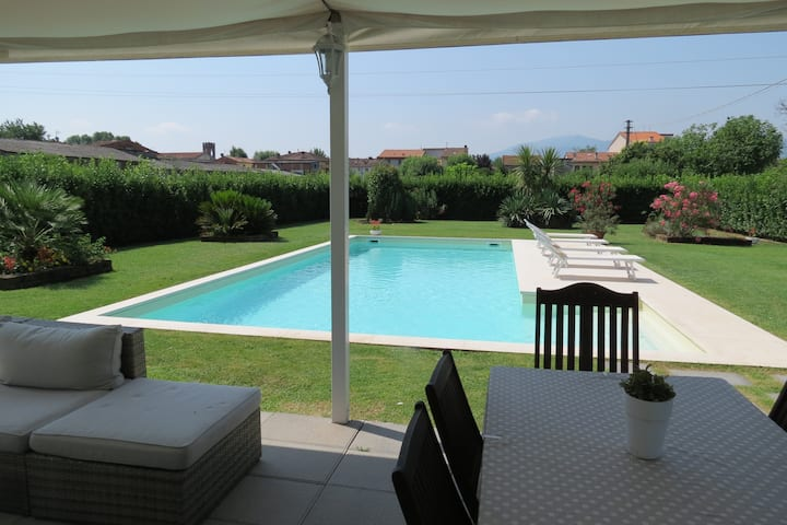 In Lucca depandance with private pool and garden