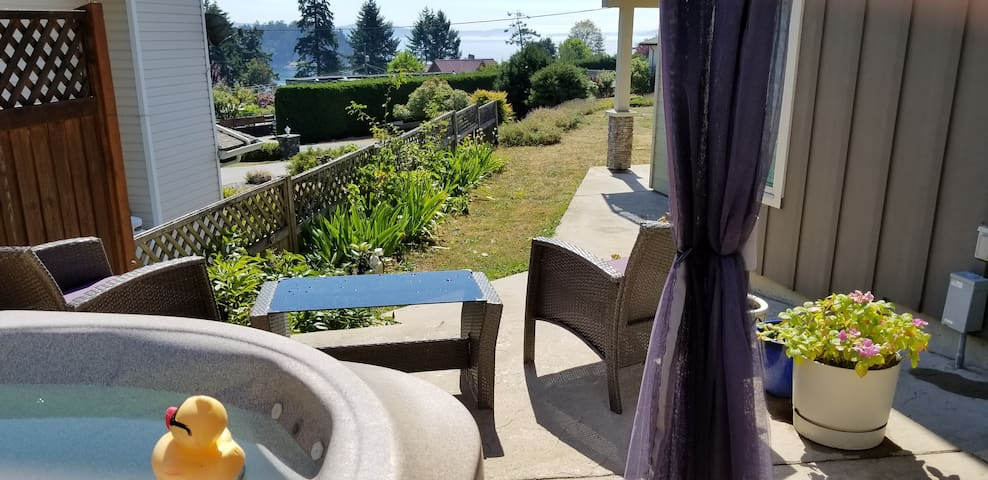Your View and privacy at the Hot Tub