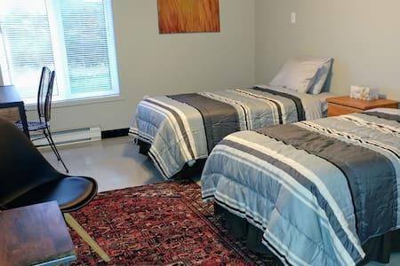 Aura MJ twin room