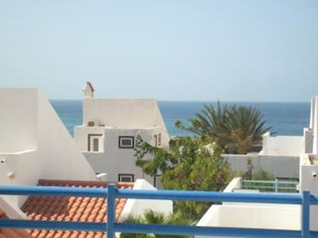 Spacious penthouse apartment in Murdeira