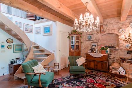Camera da letto con bagno privato - San Giovanni In Marignano - Apartment