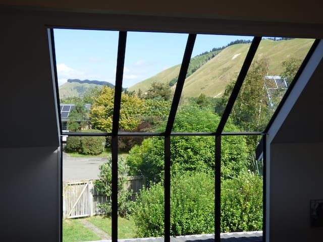 Valley View: private comfortable apartment - Waikanae - House