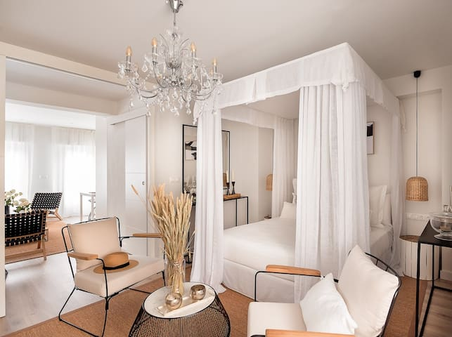 ♥ Beach Chic Luxury Apartment, Old Town Alicante