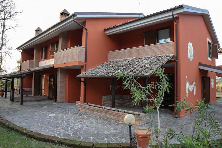 Accoglienti appartamenti conpiscina - San Gemini - Lägenhet