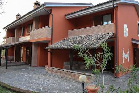 Accoglienti appartamenti conpiscina - San Gemini - Квартира