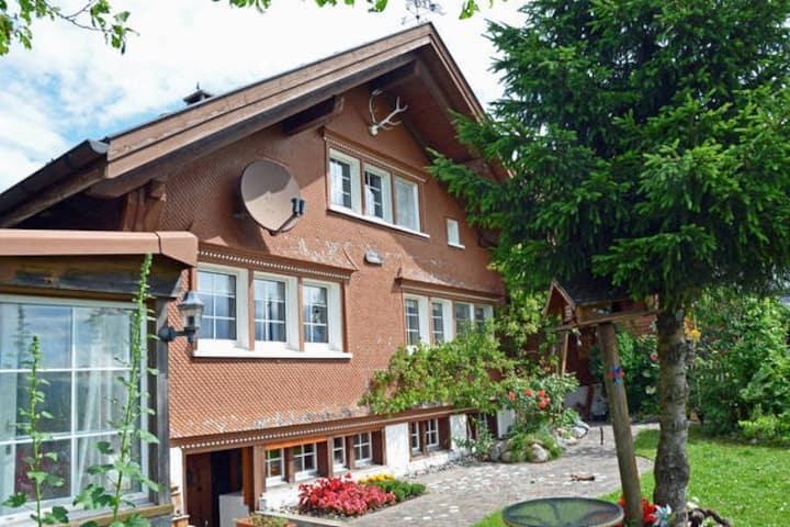 Gemütliches Appenzeller Haus mit Aussicht