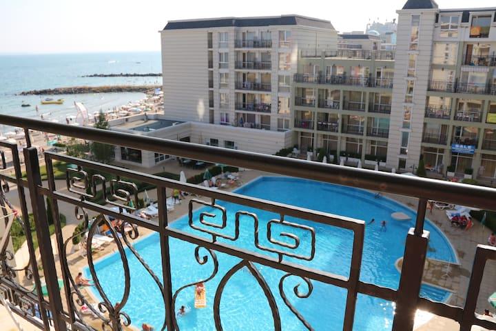 В аренду 2-х комнатные апартаменты в отеле