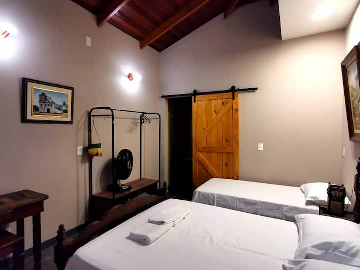 Pirenópolis - Casa Dom Pedro - Suíte -1