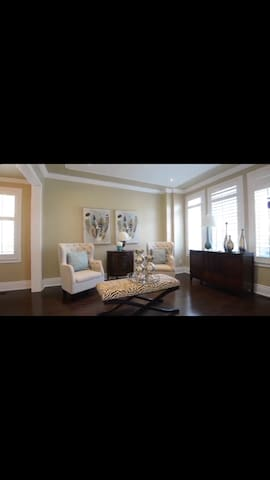 5 bedrooms Oasis view ,beautifully decorated