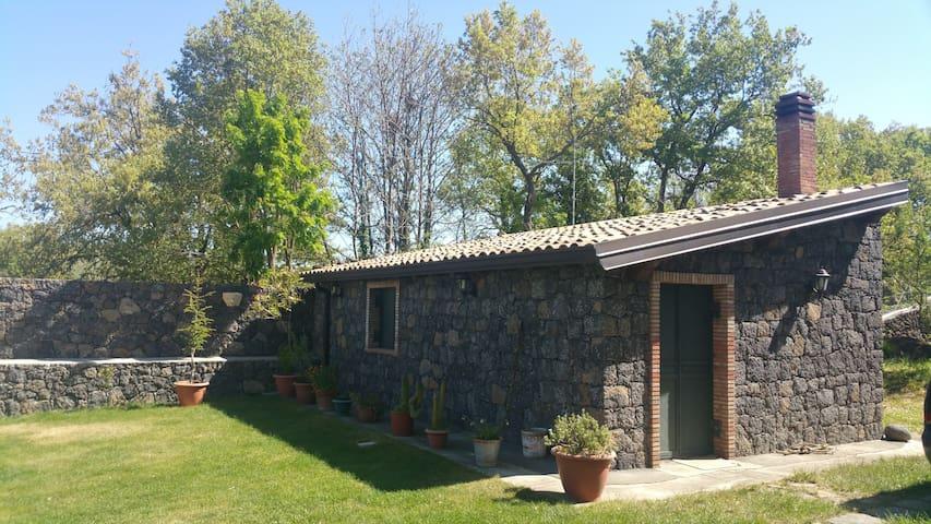Chalet di zio Pippo con vista Etna, Maletto CT - Maletto