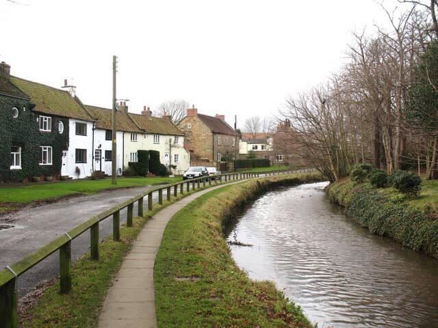 200yr old 4-bed village cottage
