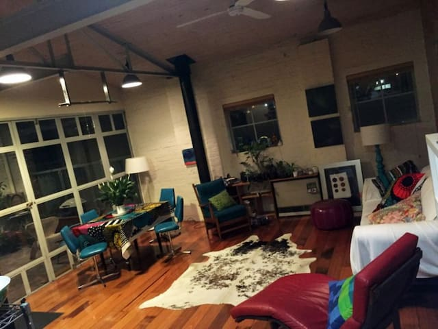 CONVERTED WAREHOUSE FITZTROY NORTH - Fitzroy North - Loft