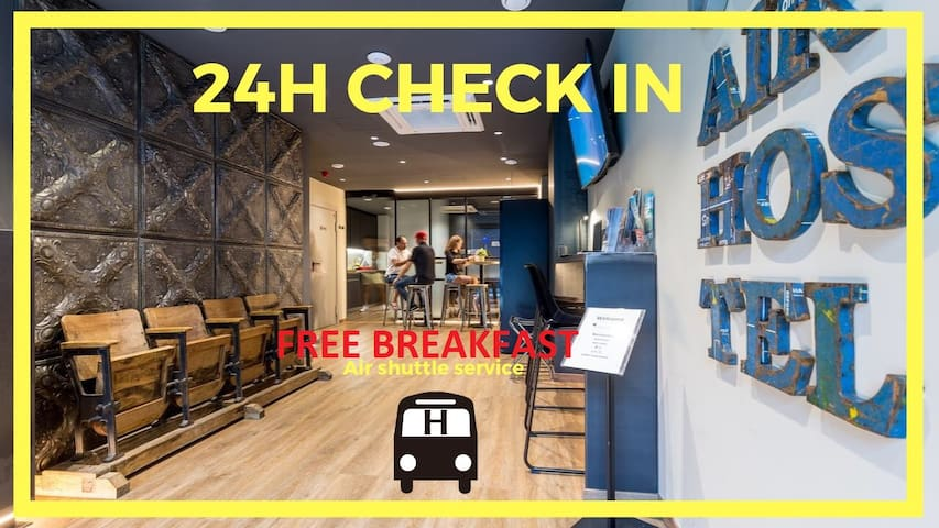 AirHostel Airport Barcelona  (room x 4)