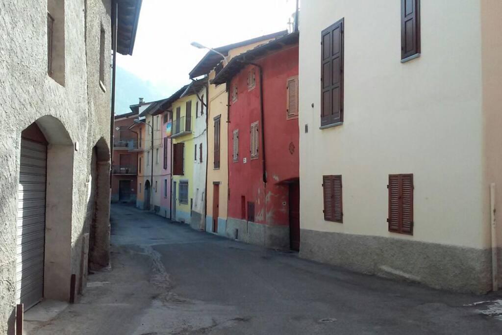 Il borgo di Entracque presso l'ingresso